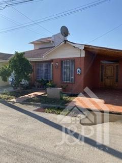 Casa en venta en Condominio Juan Pablo II.